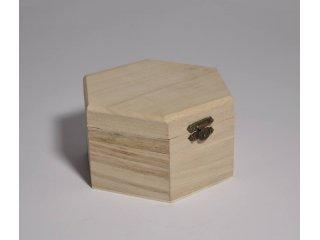 Drvena kutija šesterokutna pr.7 h4,5cm